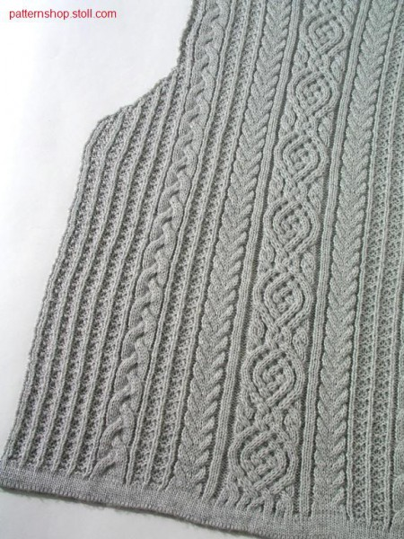 Fully Fashion front piece with cable-aran pattern / Fully Fashion Vorderteil mit Zopf-Aran Muster