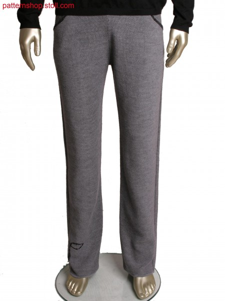 Fully Fashion trousers in 2-colour double side transfer structure, integrated pocket and motif by second colour