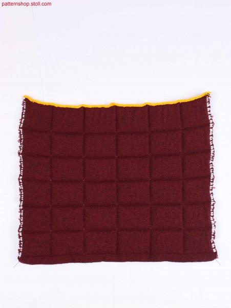 Tubular knitted fabric in quilt look by weft insert / Schlauchgestrick in Stepp-Optik durch Schussfadeneintrag