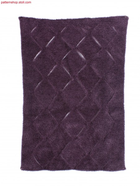 Swatch with open, rhombic intarsia pattern / Musterausschnitt mit offenem, rautenf
