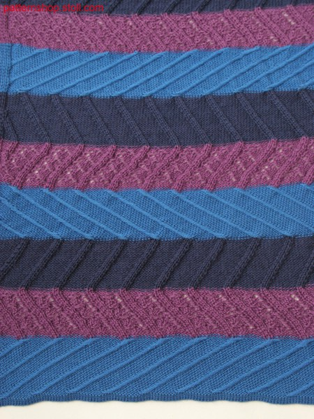 Knitted pattern in 3-color stripes with floats, pointelle and aran