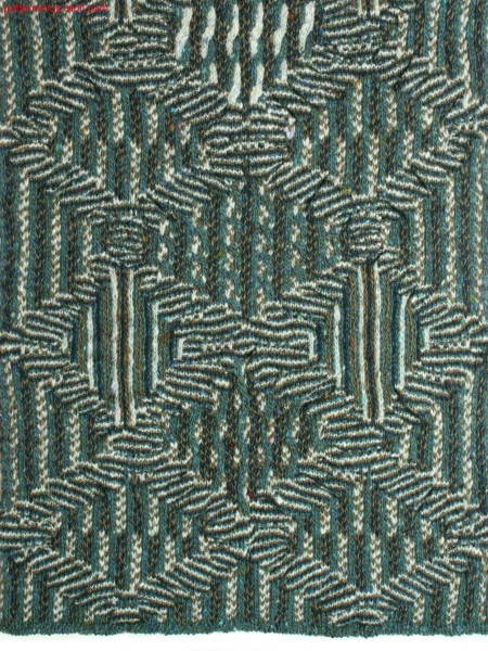 Structured knitted fabric with rhombic design /Struktur-Gestrick mit Rautendesign