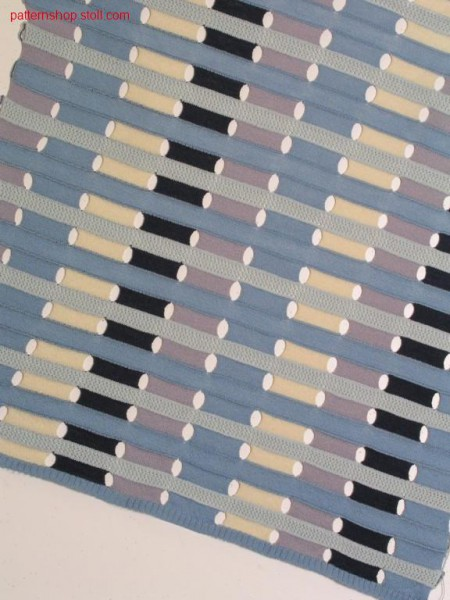 Horizontal stripe pattern with pointelle structure / Ringelmuster mit Petinetstruktur