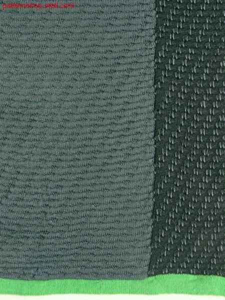 Swatch with 2-colour tubular fabric / Musterausschnitt mit2-farbigem Schlauchgestrick