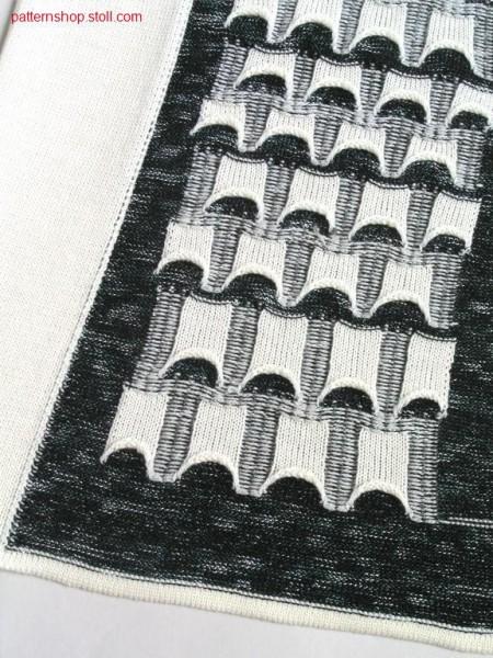 Intarsia pattern with small pockets appliqu