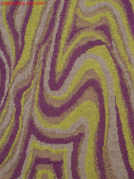 Knitted fabric with 3-color relief jacquard
