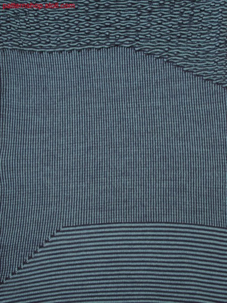 Knitted fabric in 2-color structure with horizontal, vertical stripes and holding stitches