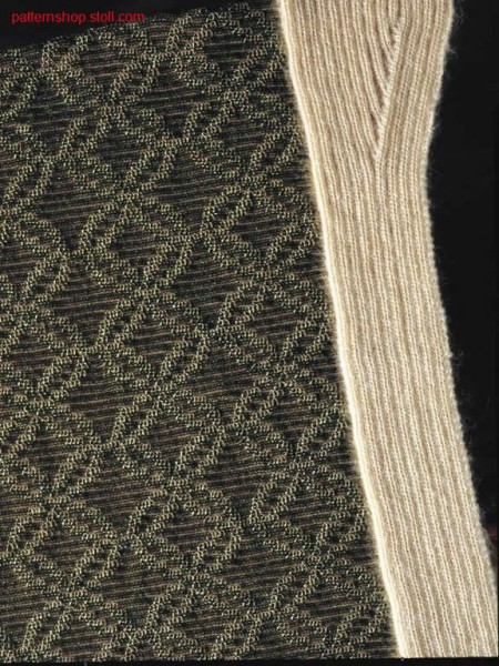 3-colour intarsia pattern with jersey structure / 3-farbiges Intarsiamuster mit Rechts-Links Struktur