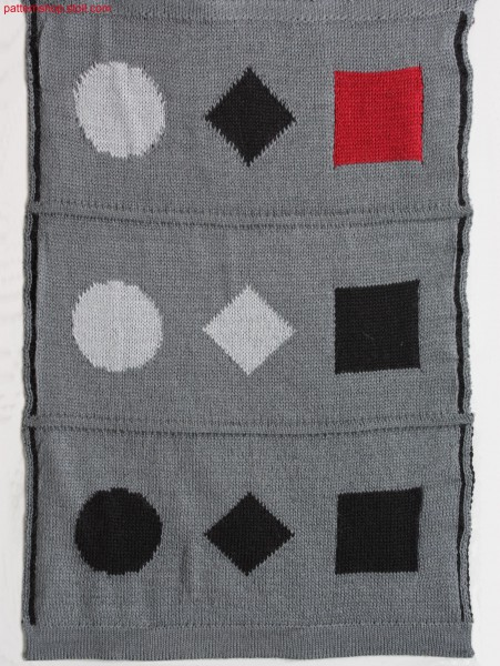 Multi-coloured jacquard fabric with 1x1 net back / Mehrfarbiges Jacquardgestrick mit 1x1 Netzr