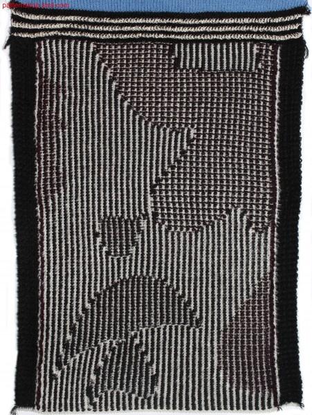 Swatch in cord-velvety 3-colour float jacquard / Musterausschnitt in kordsamt