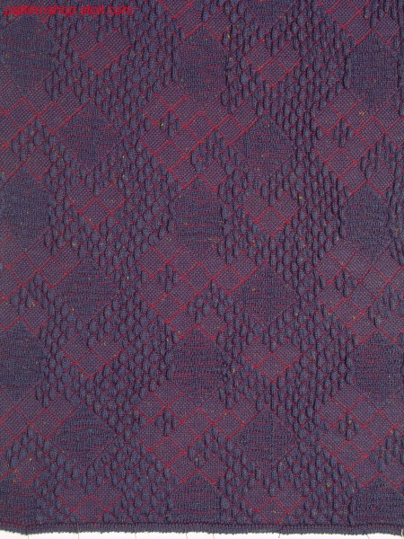 2-colour float jacquard with cloqu