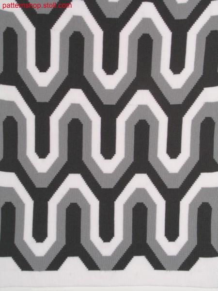 Meander intarsia pattern in 2x2 rib / M