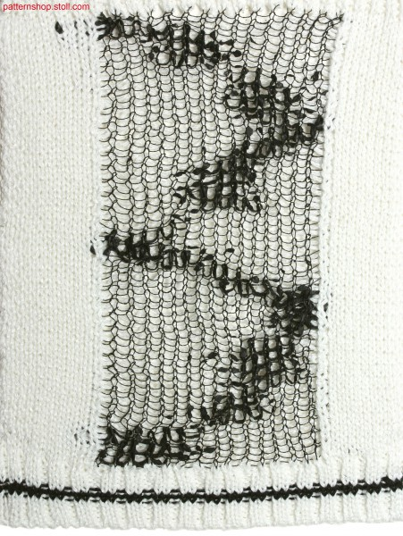 2-layer intarsia stripes on pointelle mesh structure / 2-lagiger Intarsiastreifen auf Petinet-Netzstruktur