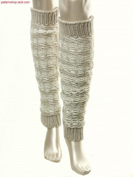 Leg warmers with stripes / Auf links gewendete Beinstulpenmit Ringel