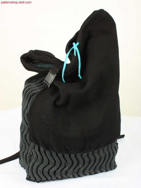 Messenger bag with racked 1x1 half-cardigan ribs / Kuriertasche mit versetzten 1x1 Perlfangrippen