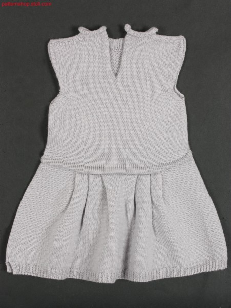 Baby's jersey dress with saddle shoulder and skirt pleats / Rechts-Links Babykleid mit Sattelschulter und Rockfalten