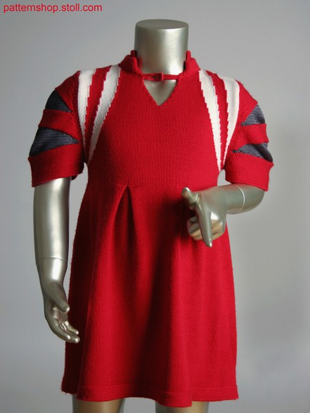 Fully Fashion intarsia kids dress with integral knitted pleats and gore technique