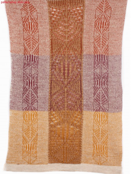 Knitted jersey fabric with intarsia filigree motifs / Rechts-Links Gestrick mit Intarsia-Filigranmotiven