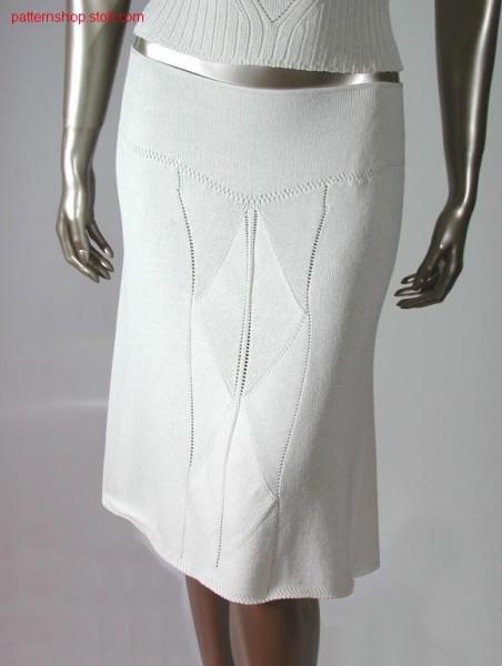 Skirt with pointelle structure / Rock mit Petinetstruktur