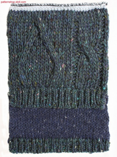 2-layered swatch with coarse 2x3 cable and 2x1 aran / 2-lagigiges Musterteil mit grobem 2x3 Zopf und 2x1 Aranmuster