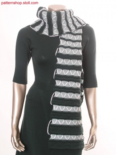 Striped scarf with wave structure and ornamental stitches / Geringelter Schal mit Wellenstruktur und Zierstichen
