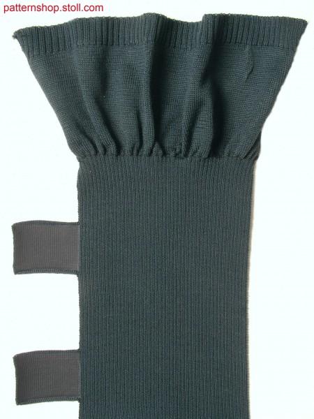 Swatch with side ankle straps / Musterteil mit seitlich angestrickten Verschl