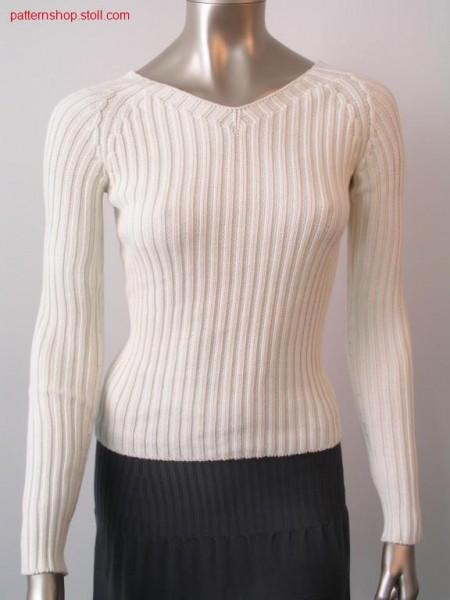 Raglansweater in 2x2 rib / Raglanpullover in 2x2 Rippe.