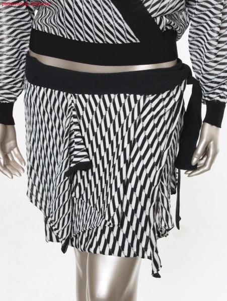 Fully Fashion wraparound tail skirt / Fully Fashion Wickel-Zipfelrock