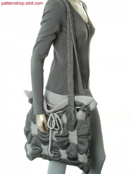 Bag with gathering by intarsa wave pattern / Tasche mit Raffungen durch Intarsia-Wellenmuster