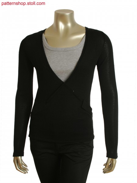 Fully Fashion top with integrated pocket flaps and holding stitch at the back