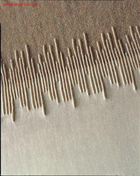 2-Colour intarsia with ridges structures