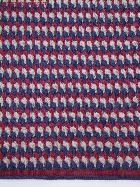 Knitted fabric in 3-color stripes with tucks