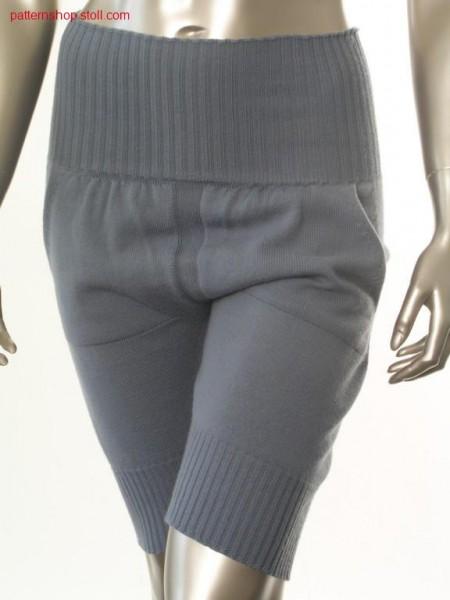 Jersey bermuda shorts with gathered patch pockets / Rechts-Links Bermudashorts mit gerafften aufgesetzten Taschen