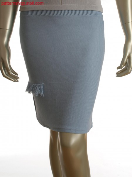 Fully Fashion skirt with integrated fringes and float motif at back panel