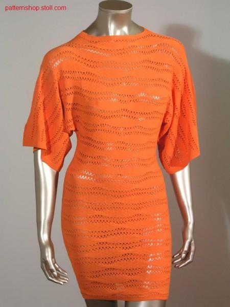 Dress in pointel and float structure / Kleid in Petinet- und Flottstruktur.