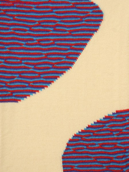 Knitted fabric in 4-color structure with intarsia and float structure