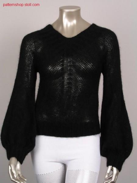 Pullover with enlarged cuffs / Pullover mit erweiterten