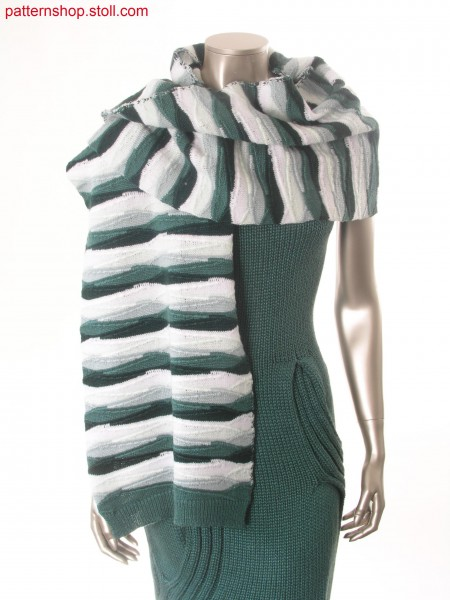 Scarf with hrizontal stripes in gore-look / Schal mit Ringeln und Spickeloptik