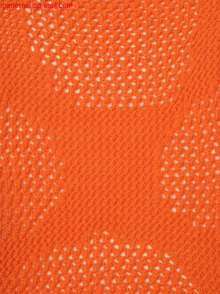 Knitted fabric with pointelle structure