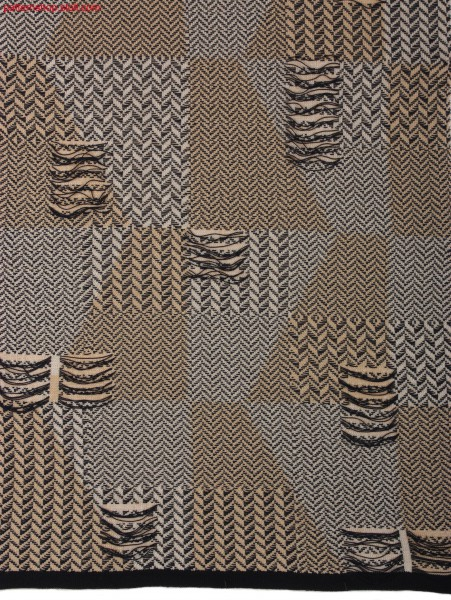 Swatch with weft insert in herringbone-twill look. / Liasse mit Fadeneinlage in Fischgratk