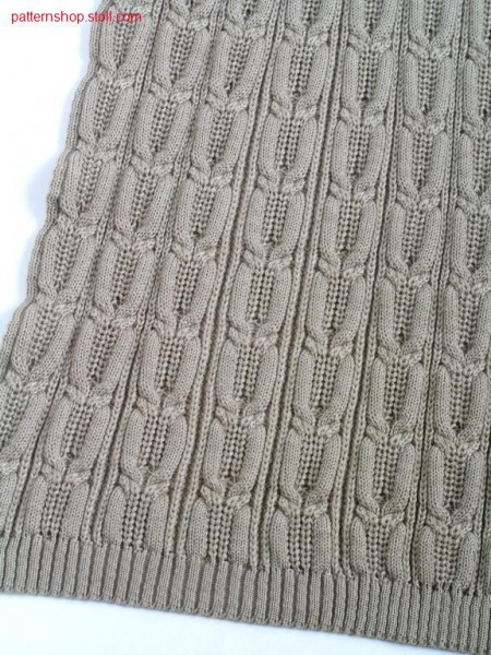 Cable pattern with half-cardigan rib structure / Zopfmuster mit Perlfang-Rippstruktur