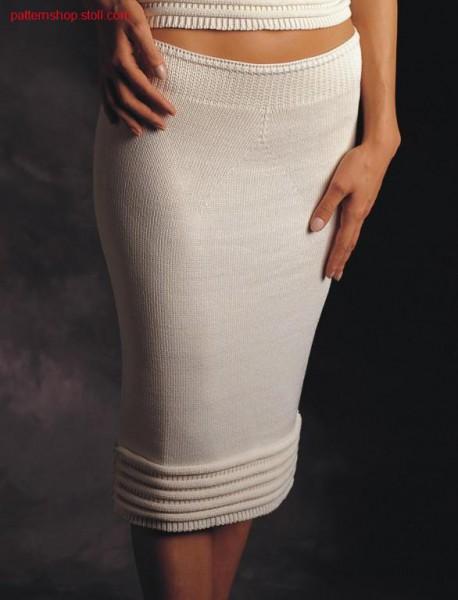 Tight jersey skirt with wave-like applications / Enger Rechts-Links Rock mit wellenartige Applikationen