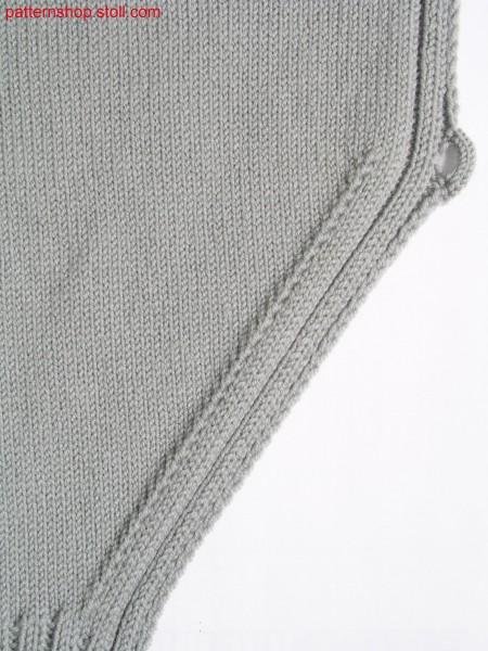 Swatch with stitch darning in the widening and button loop /Gestrick mit Stopfmasche in der Zunahme und Knopfschlinge
