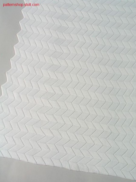 Herringbone pattern with drop stitch in front / Knieversatzmuster mit Nadelzug vorne