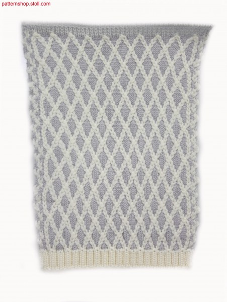 Knitted fabric in 2-colour float jacquard / Gestrick in 2-farbigem Flottjacquard