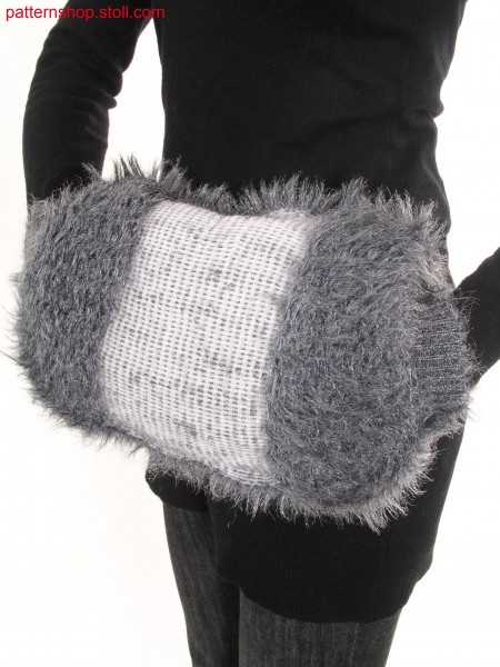 Reversible Muff in fake fur with floated fancy yarn / Wende-Muff in Felloptik aus geflottetem Effektgarn