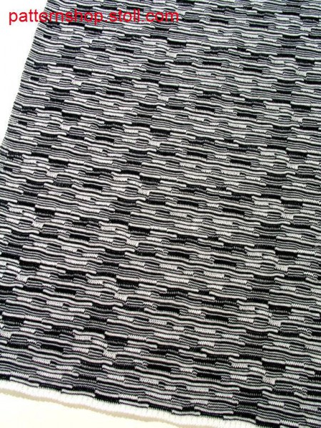 Striped jersey fabric with ripple effect / Geringeltes Rechts-Links Gestrick mit Wellendesign