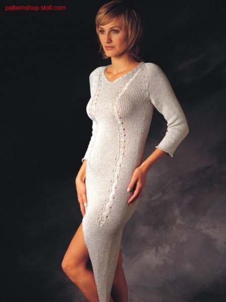 Dress with slits and diagonal running floats.